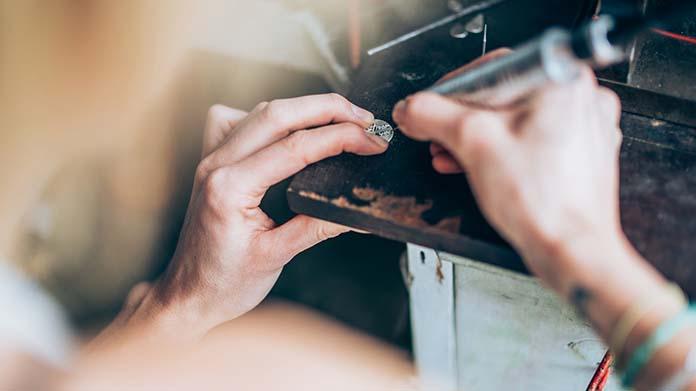 Custom Engraving Business Image