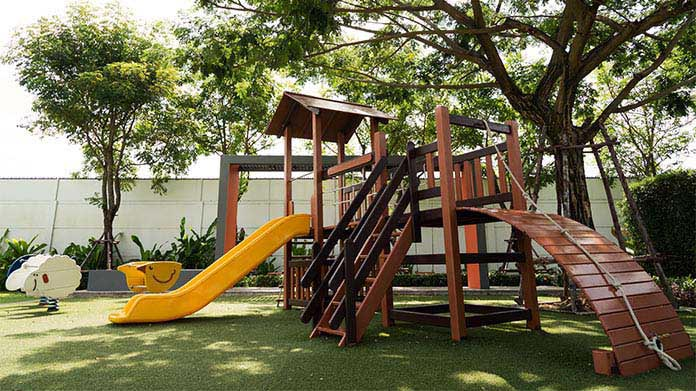 Custom Playsets Business Image